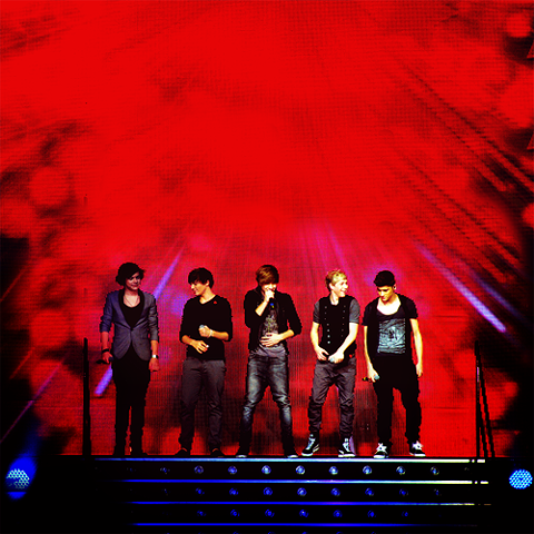 nothing is fine i'm torn ♡
